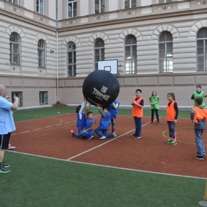 Sportuj po škole 17.10. 17 Kin Ball 004.JPG