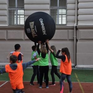 Sportuj po škole 17.10. 17 Kin Ball 008.JPG