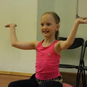 KROUŽKY_Orientální tanec pro malé princezny